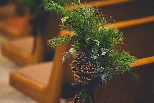 holiday wedding inspiration, holiday wedding flowers