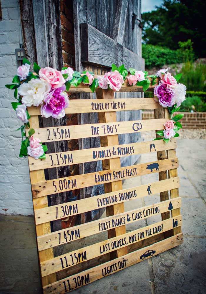 Looking for reception decoration ideas that give rustic a bright makeover? Then you'll LOVE this chic and charming colourful barn wedding - check it out!