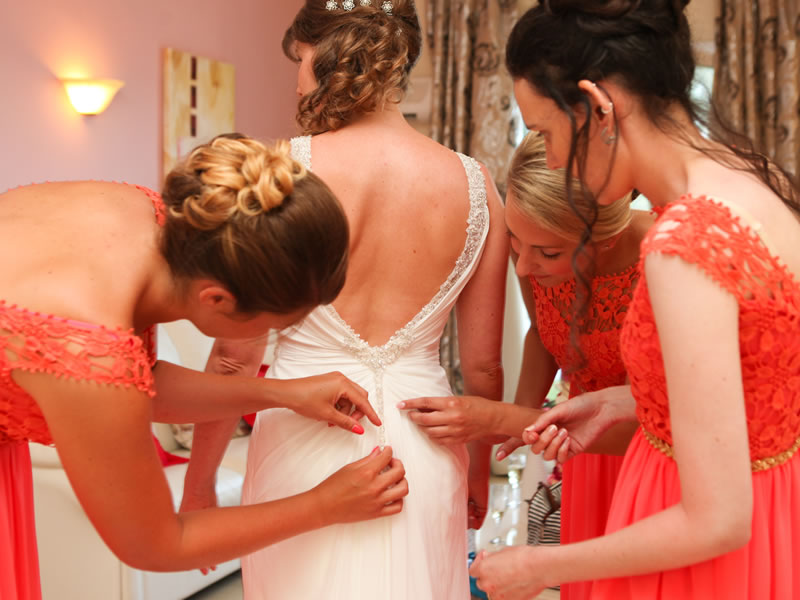 11 Real Couples Wedding Day Disaster Stories