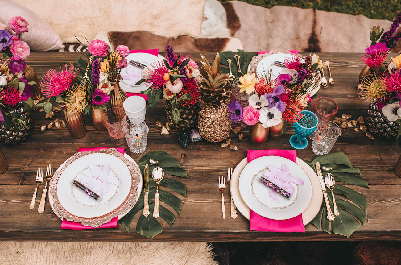 pineapple tablescape