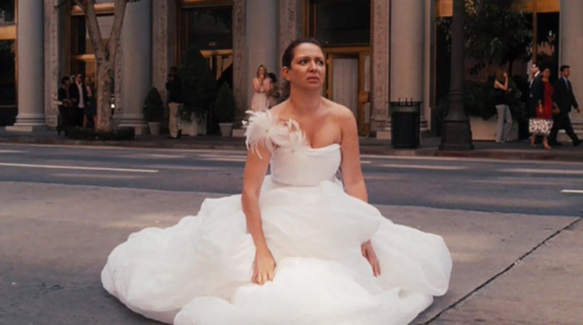 bridesmaids-maya-rudolph-poops-in-the-street-wedding-dress-1jpg