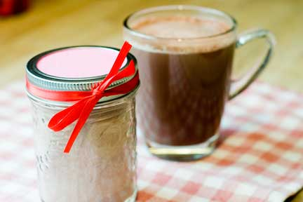 winter favors- Perfect wedding guide - winter wedding - wedding favors - hot chocolate for a winter wedding