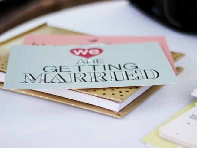 How to Achieve a Mint Green Wedding Theme - Wedding invite