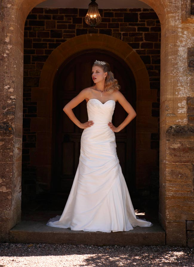 wedding-dresses-under-500-jacqueline