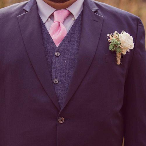 groom - boutonniere in the wrong place - how to properly wear a boutonniere