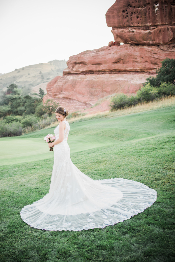 Perfect Wedding Guide - Denver Perfect Wedding Guide  - Denver wedding - mountain wedding - bride in the mountains