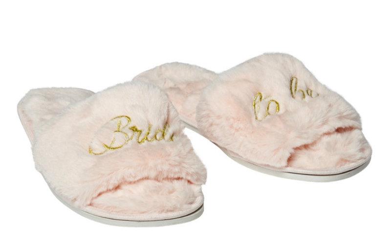 chelsea-peers-slippers