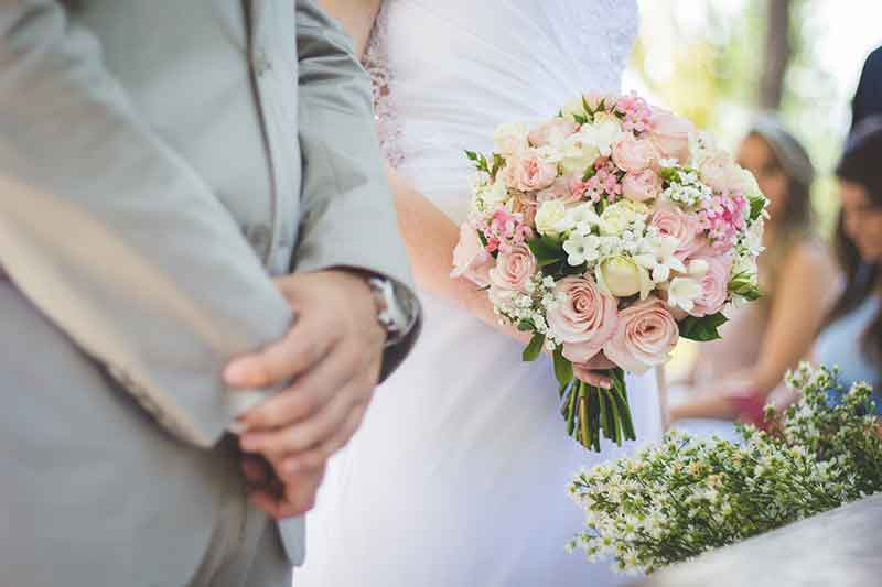 8 Money-Saving Ideas for a Beautiful Wedding on a Shoestring Budget