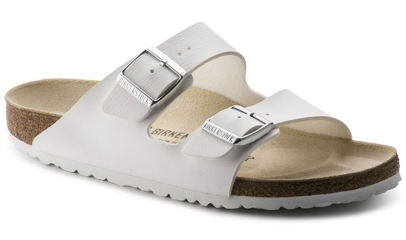 birkenstocks-honeymoon-travel-essentials