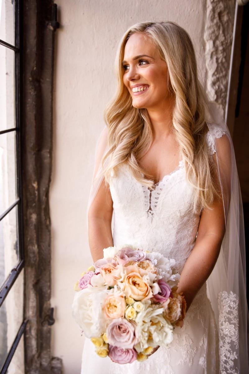 bride-weddings-at-leeds-castle