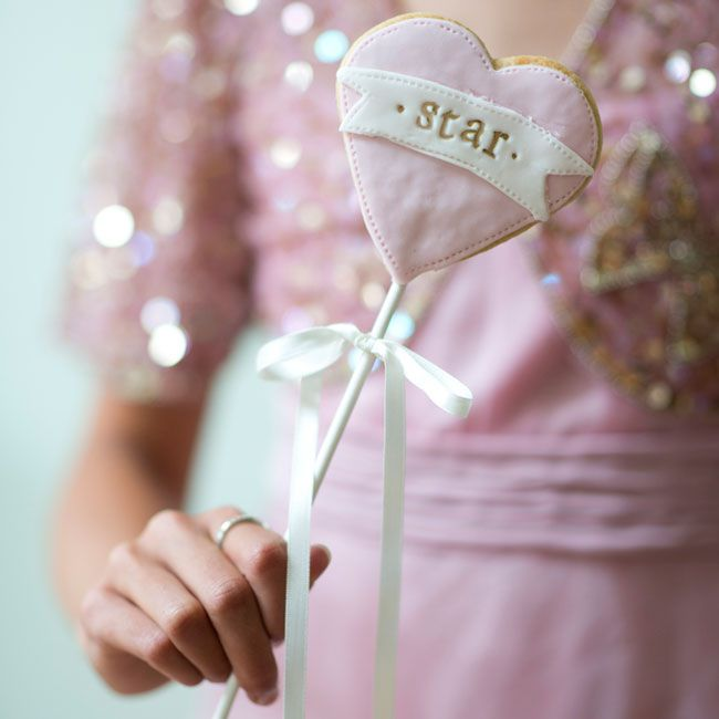 10-incredible-edible-wedding-favours-your-guests-will-love-nila-holden-star