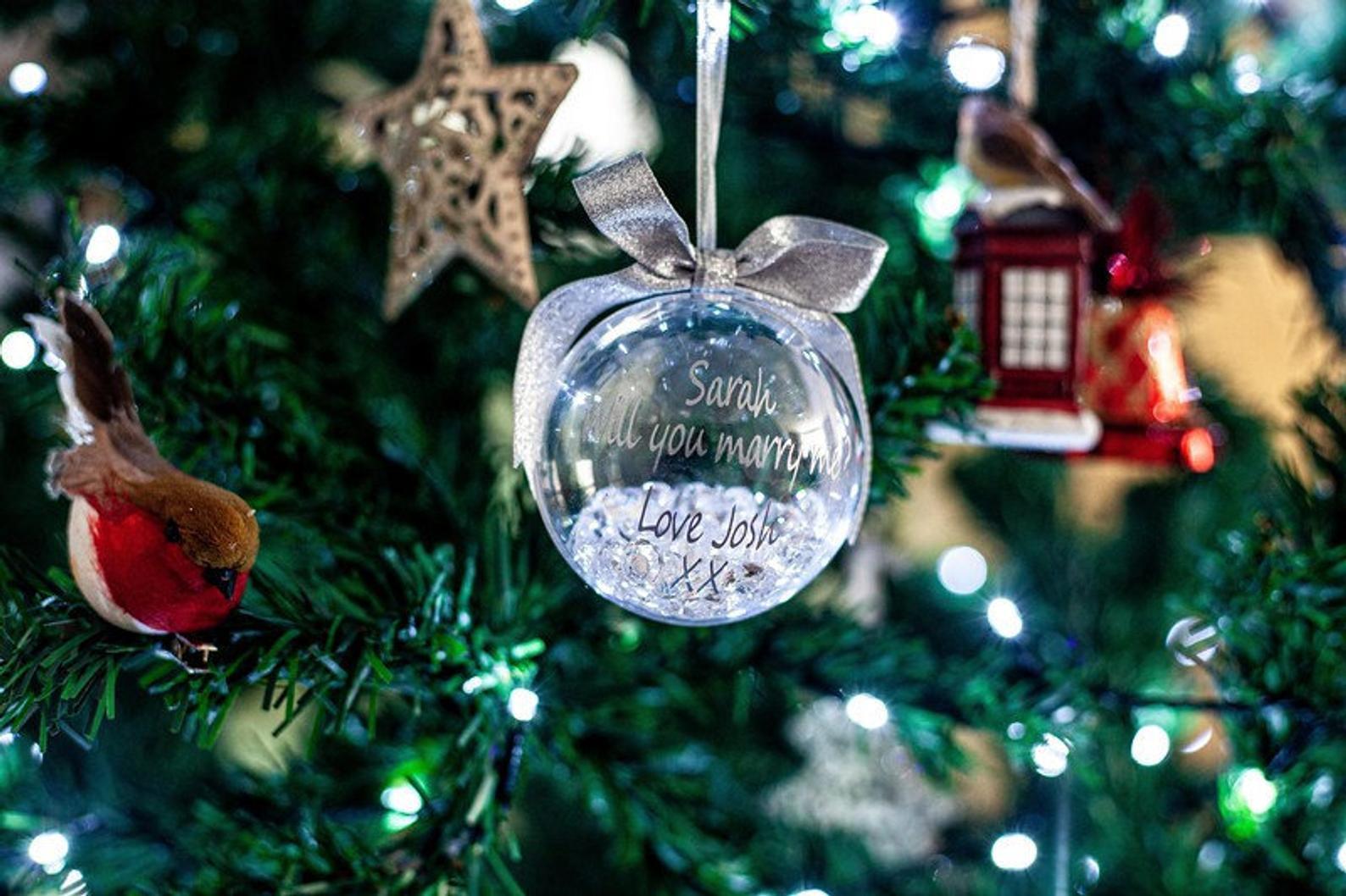 christmas-proposal-bauble