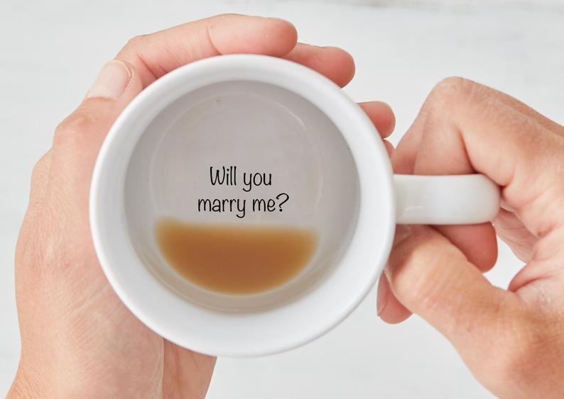 marry-me-mug-christmas-proposal-ideas