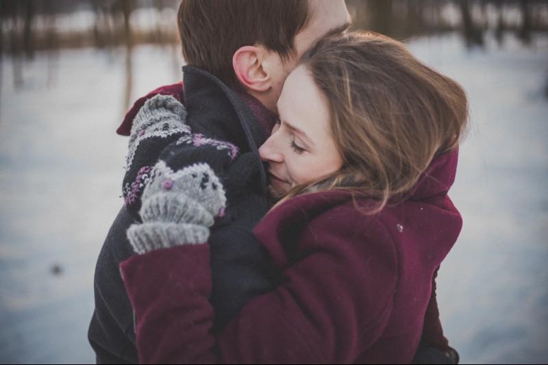romantic-christmas-proposal-ideas