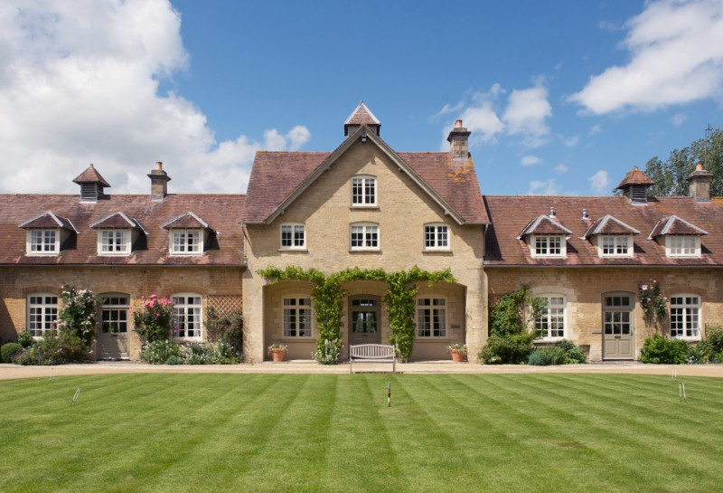 staycation-honeymoon-bruern-cottages-cotswolds
