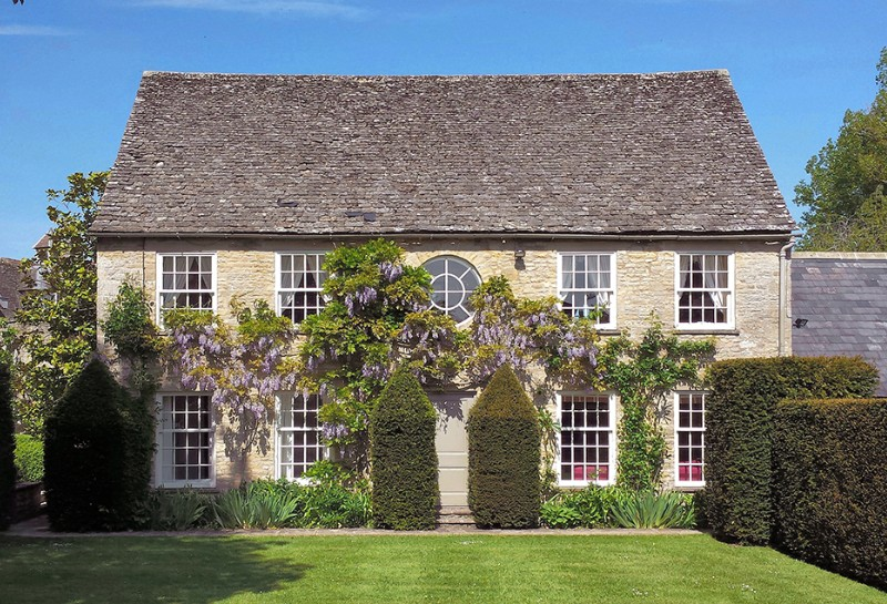 staycation-honeymoon-cotswolds-cottage