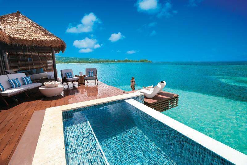 sandals-resort-infinity-pool
