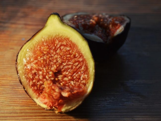 10 foods that'll Get You in the Mood For Love this Valentines Day - figs