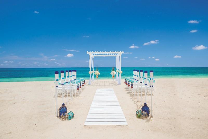 sandals-beach-wedding-location