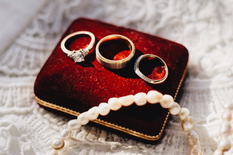 clean-engagement-rings-diamond-care-tips