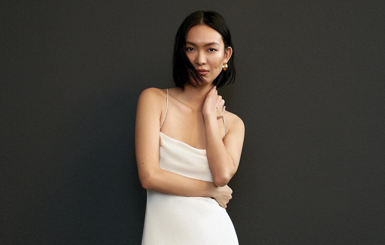 CERISE_Savannah-miller-simple-wedding-dress