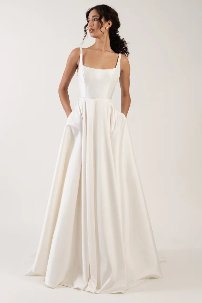 Lawrence-Jenny-Yoo-casual-wedding-dress-pockets