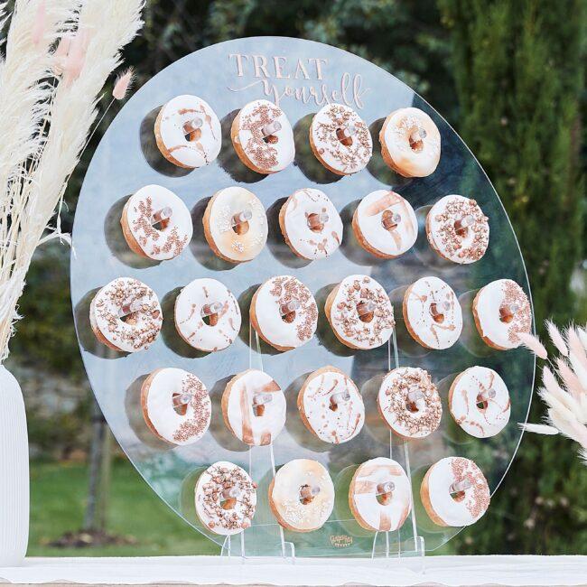 doughnut-wall-ginger-ray