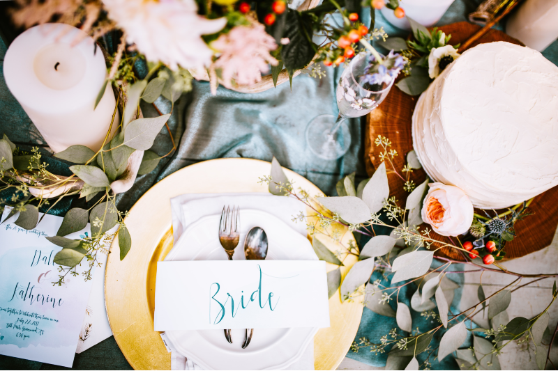 annie-gray-unsplash-wedding-table-styling