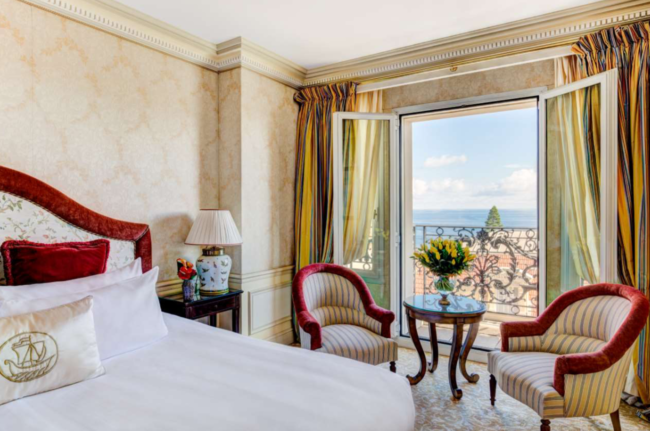 rooms-at-hotel-metropole